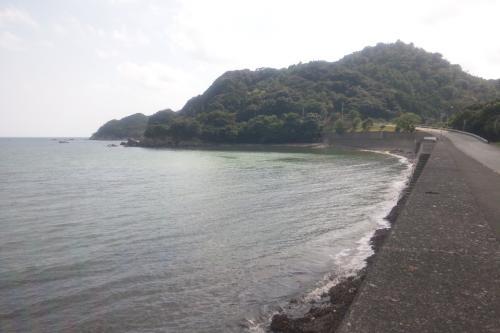砂浜のない反対側の田井ノ浜海水浴場