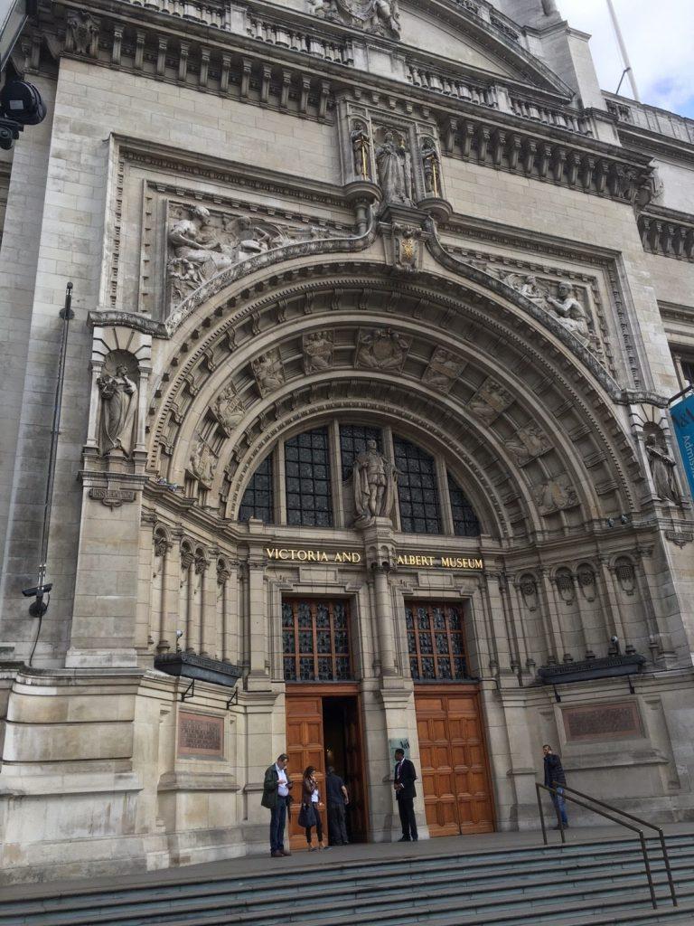 ヴィクトリア&アルバート博物館の外観